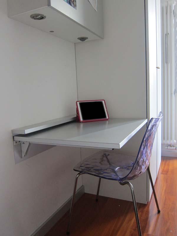 scrivania in alluminio ribaltabile