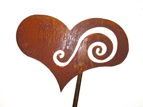 cuore in corten decorazione giardino