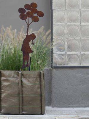 ornamenti-decorazioni giardino con stelo in corten