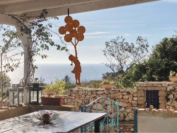"""Decorazioni giardino """"omaggio a Banksy"""" - Mancabelli  Craft and Design"""